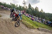 Finále závodu světové série horských kol ve fourcrossu JBC 4X Revelations proběhlo 14. července v bike parku Dobrý Voda v Jablonci nad Nisou. Na snímku zprava Tomáš Slavík a Simon Waldburger (16).