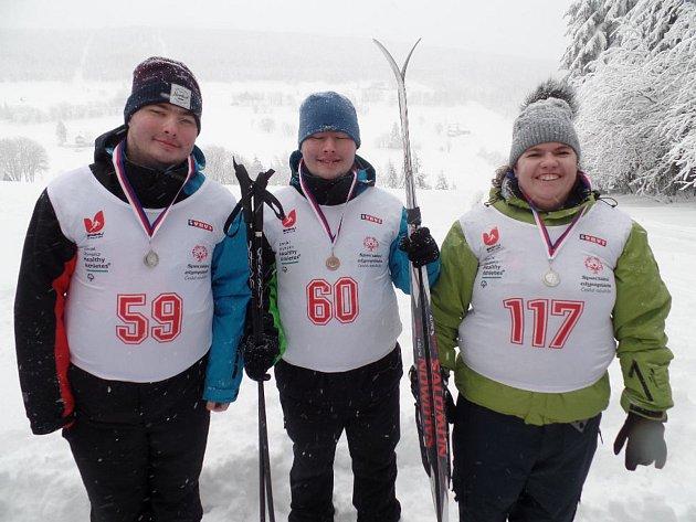 Bratři Aleš a Jakub Kubátové a Petra Sádlová z českolipského stacionáře reprezentovali Liberecký kraj.