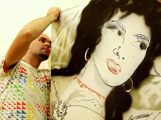 Desítky svých děl v galerii představuje mladý liberecký malíř Ondřej Kopal.