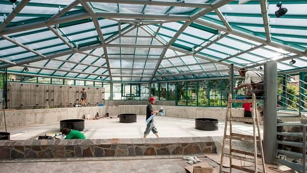 Výstavba unikátního pavilonu pro lekníny v Botanické zahradě v Liberci.