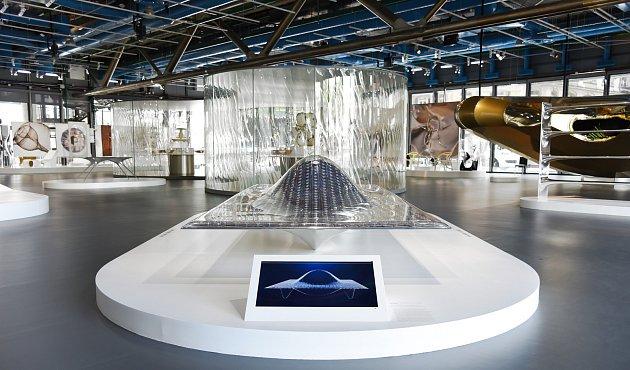 TANČICÍ PAVILON LiquidKristal na výstavě Convergence vCentre Pompidou.