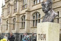 Pomník zakladatele Československé republiky T. G. Masaryka v parku u Severočeského muzea.