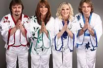 ABBA STARS oslavili minulý rok 10 let své existence. Skupina odehrála přes 1000 vystoupení, absolvovala turné v Německu i Francii. Vystupovala i v Libanonu, Karibiku či New Yorku.