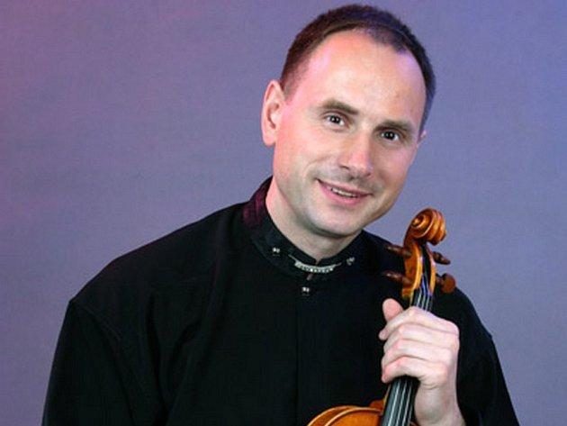 PETR MATĚJÁK. Houslista a koncertní mistr Divadla F. X. Šaldy.