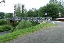 Most přes Jizeru v ulici Bavlnářská.