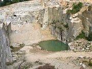 Lom v liberecké části Ruprechtice, který má posloužit jako záložní nádrž pro lesní koupaliště.