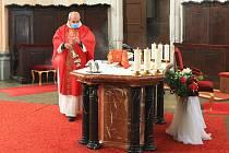 V bazilice požehnali varhanám.