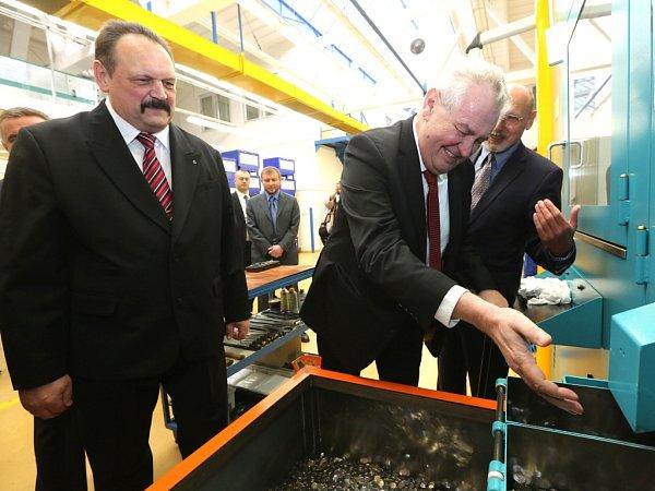 Prezident Miloš Zeman navštívil Českou mincovnu vJablonci nad Nisou.