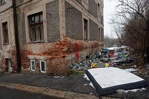 Jeden z problémových domů ve Vojanově ulici na Františkově. Fotografie z února letošního roku.