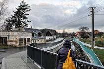 NOVĚ opravená silnice v Heřmanicích po povodních v roce 2010 získala teď ocenění od ministerstva průmyslu a obchodu.