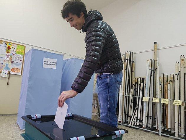 VJablonci odvolil iJan Zahula, který se mimo jiné věnuje horolezectví.