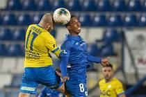 Teplice (v žlutém) se představí v Jablonci, Liberec (v modrém) hraje s Plzní.