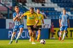 Zápas 1. kola první fotbalové ligy mezi týmy FC Slovan Liberec a MFK Karviná se odehrál 21. července na stadionu U Nisy v Liberci. Na snímku zleva Radim Breite a Lukáš Budínský.