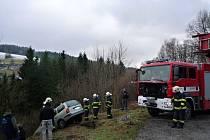 Vůz (bez řidiče) jel srázem 30 metrů.