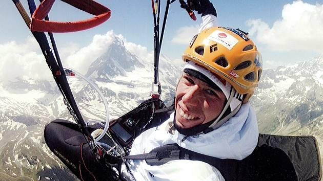 NAD MATTERHORNEM. Liberecký Stanislav Mayer hodně vysoko u alpských velikánů.