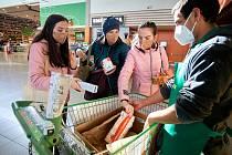 Sbírka potravin v libereckém Globusu