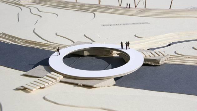 Hrádek počítá do budoucna v Trojzemí s otáčivým mostem.