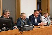 Senátor Jaroslav Kubera navštívil Chrastavu. Po prohlídce místního hasičského muzea se přesunul na radnici, kde proběhla diskuze s občany.