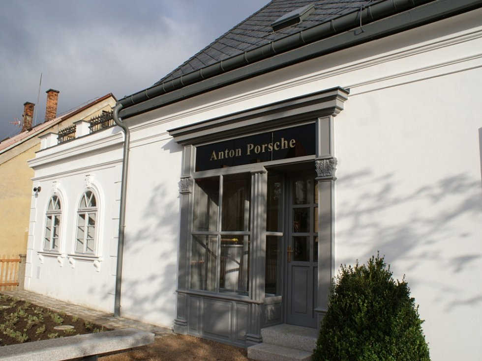 Ferdinand Porsche už má svoje muzeum. Ve Vratislavicích nad Nisou.