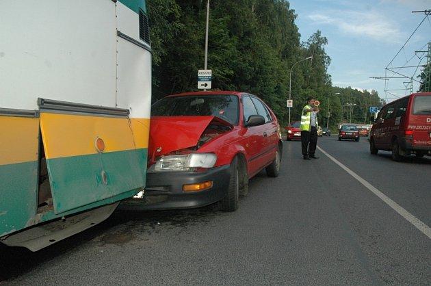 Nehoda na Jablonecké ulici v Libereci.