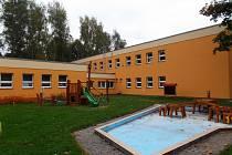 V MŠ a ZŠ Sluníčko se v dubnu rozeběhne stavba denního stacionáře.