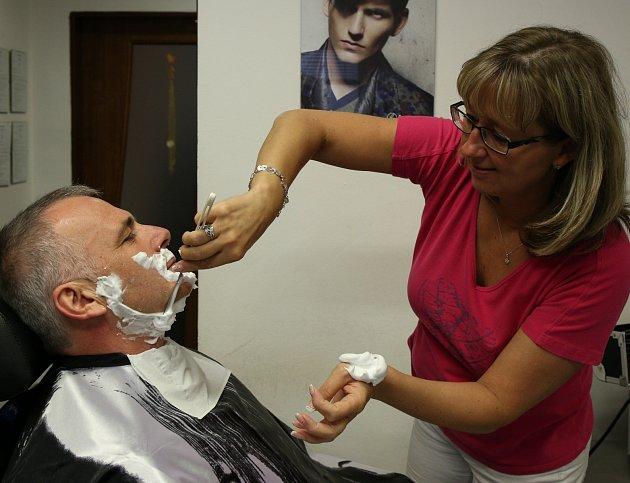 MOVEMBERU se letos zúčastní iDJ Petr Vobořil, který společně suskupením Svaz jabloneckých bohémů uspořádá Movember Horečku.