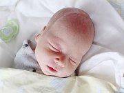 MATĚJ TESAŘ Narodil se 31. července v českolipské porodnici mamince Veronice Ležovičové z Raspenavy. Vážil 2,88 kg a měřil 49 cm.