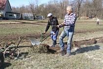 Farma v Jindřichovicích pod Smrkem uspořádala veřejné ruchání.
