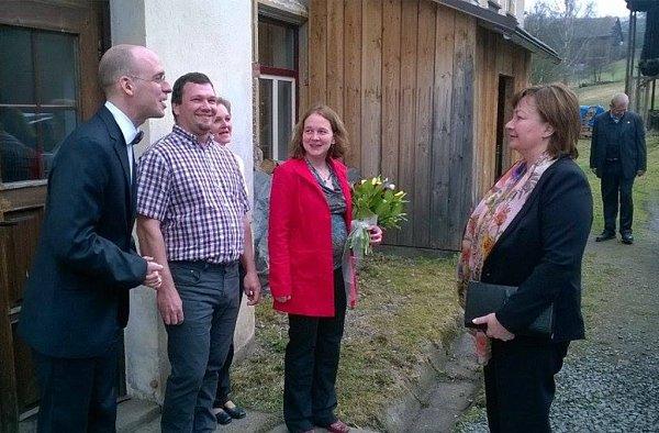 Ivana Zemanová na návštěvě společnosti Rautis vPoniklé.