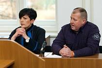 ODPOSLOUCHÁVAL CIZÍ HOVORY? U soudu se zodpovídá také bývalý policista Michal Kondla, který měl jako soukromý detektiv údajně žádat o důkazy o nevěře ženy svého klienta, třeba o odposlechy telefonních hovorů.