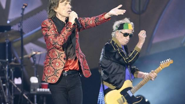 ROLLING STONES VE VÍDNI. Mick Jagger a Keith Richards.