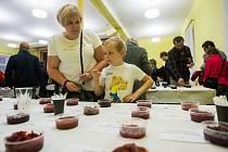 Veřejná ochutnávka marmelád v rámci soutěže Kunratická JamParáda proběhla 4. listopadu v sále kulturního domu v Kunraticích na Frýdlantsku. Následovalo vyhlášení těch nejlepších džemů.