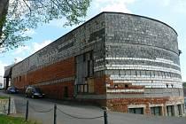 OBLUDNOU STAVBU nahradí terasa Tomáše Edela.