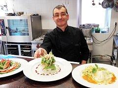 Francouzské delikatesy, které vznikají pod rukama světově uznávaného šéfkuchaře Clauda Duranda.