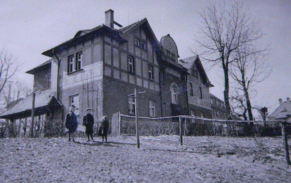 Foto domu čp. 415/IV ze soupisu domů fy J. Liebiega & Comp. z roku 1940 od arch. A. Corazza, s. 118‐120