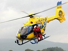 Letecká záchranná služba. Záchranáři. Ilustrační foto.