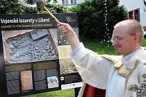 VOJENSKÝ KAPLAN PETER ŠABAKA působí u 31. pluku radiační, chemické a biologické ochrany Liberec. Knězem Římskokatolické církve je od roku 2005.