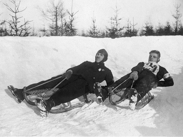 Rudolf Kauschka (na snímku vlevo při jízdě na ME ve Szklarske Porebe, 1928.
