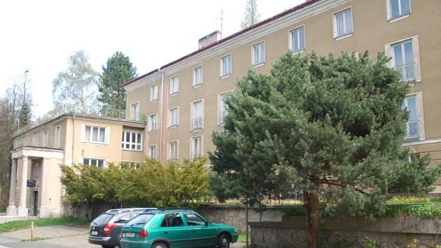 Opuštěný dům v Třebízského ulici.