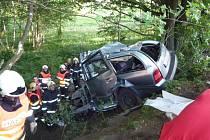 Vážná nehoda v Doníně v Hrádku nad Nisou. Zemřeli tam čtyři lidé.