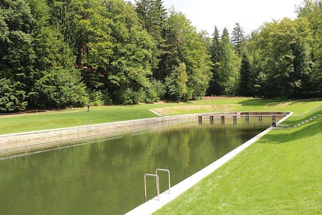 V pátek 13. července bylo oficiálně otevřené zrekonstruované lesní koupaliště v Liberci. Areál bude sloužit veřejnosti denně od 7 do 22 hodin. Na snímku areál koupaliště.