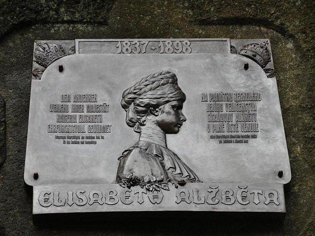 Pamětní deska císařovny Sissi v Jizerských horách.