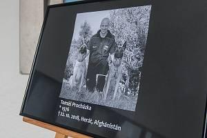 Pieta za vojenského kynologa Tomáše Procházku, který padl 22. října při útoku v Afghánistánu. Snímek je z 23. října 2018.