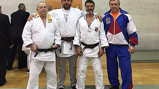 Čtyři veteráni. Zleva: Kohout, Schüler, Šindelář a Vágner.