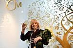Zpěvačka a mnohonásobná zlatá slavice Hana Zagorová pokřtila zlatou a stříbrnou medaili se svým portrétem.