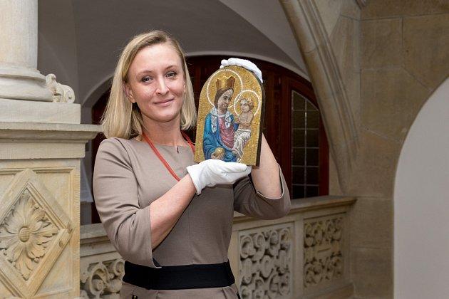 Unikát oživila pečlivá práce restaurátorky Magdaleny Kracík Štorkánové.