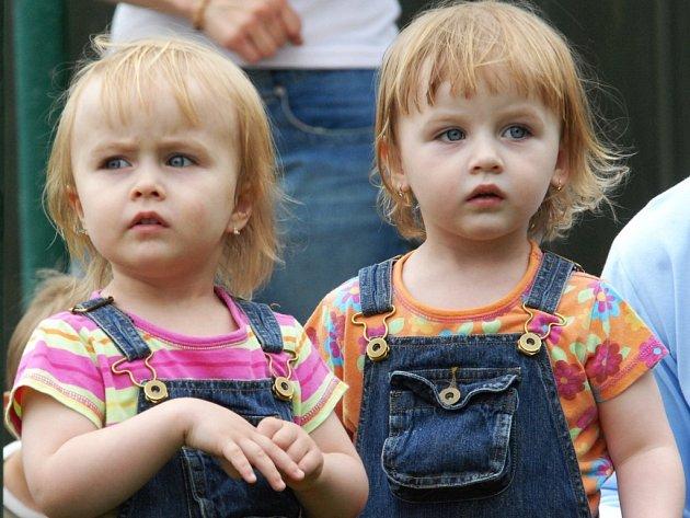 Sraz dvojčat v Lomnici nad Popelkou.