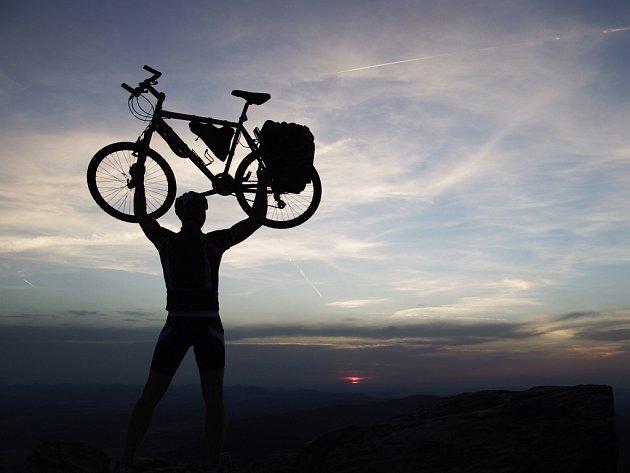 Jen on a kolo. Martin Škrabálek se vydá na cestu do Chorvatska sám. Čeká ho minimálně tisícovka kilometrů.