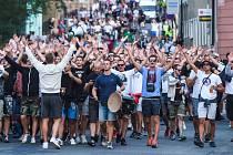 Fotbalové utkání mezi FK Slovan Liberec a PAOK Soluň vyhodnotila policie jako rizikové. Průvod fanoušků až na stadion U Nisy doprovodí policisté stejně jako loni při zápase s Hajdukem Split. (na snímku fanoušci Hajduku Split).