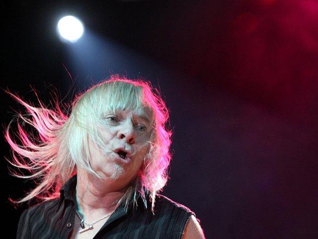 V Liberci vystoupila hard rocková legenda Uriah Heep. Frontmann Bernie Shaw.